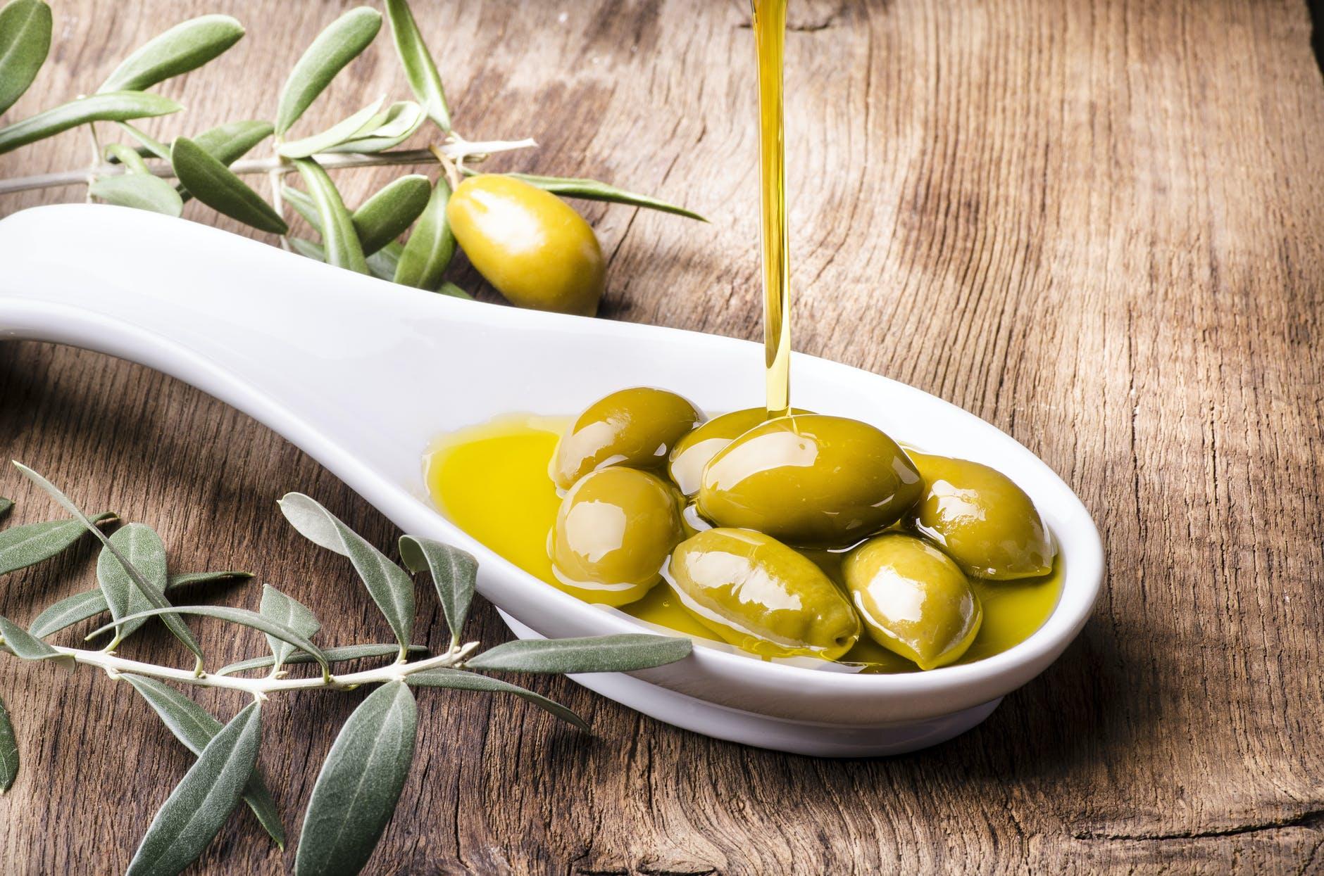 cómo acompañar el aceite de oliva