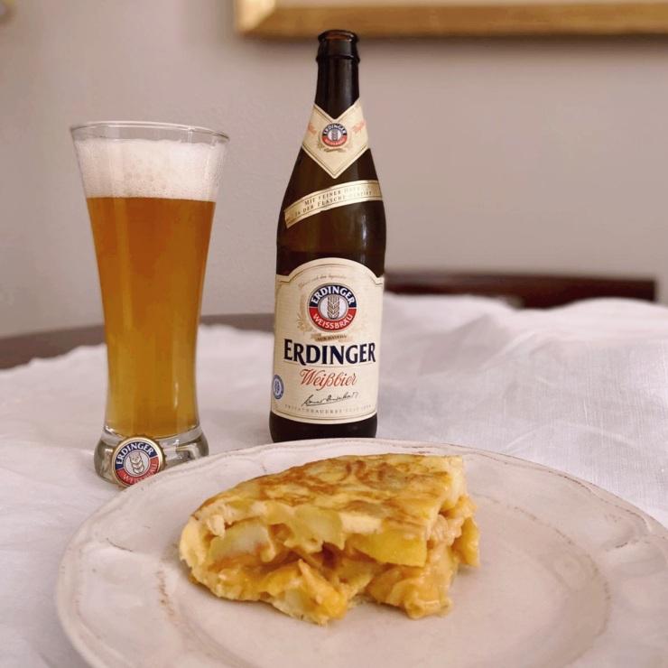 Maridaje de cerveza de trigo y tortilla de patatas
